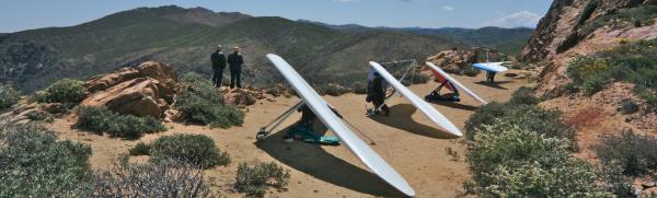 Hang-Gliders-Mountains-Near-Ramona